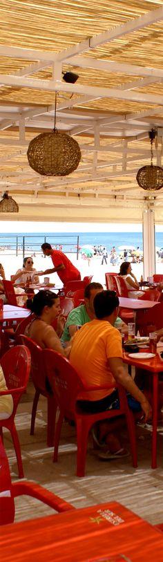 Comedor del Chiringuito El Madrileño en La Antilla (Lepe - Huelva). #Beach #Bar #Pergola #Wood #Chiringuito #Lighting
