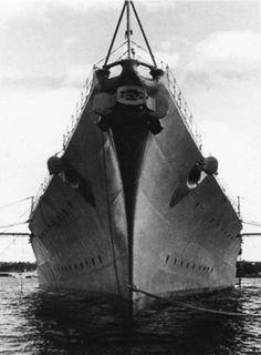 Photo très impressionante de la proue du Bismarck