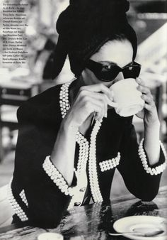 #vintage Vanessa Duve in Chanel photographed by Patrick Demarchelier for #Vogue Magazine Germany December 1989
