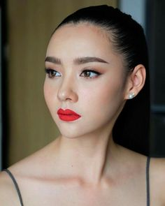 Mookda narinrak beauty in 2019 beauty makeup, asian makeup. Eye Makeup Art, Lip Makeup, Beauty Makeup, Bridal Makeup, Wedding Makeup, Chanel Makeup Looks, Asian Makeup Before And After, Asian Makeup Looks, Diy Beauty Secrets