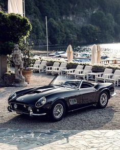 𝓟𝓵𝓮𝓲𝓷 𝓢𝓸𝓵𝓮𝓲𝓵 1961 Ex- Alain Delon Ferrari 250 GT SWB California Spyder , This Ferrari was previously own by French Icon Alain… Ferrari California, Pretty Cars, Cute Cars, Classy Cars, Sexy Cars, Old Vintage Cars, Classic Sports Cars, Cabriolet, Car Car
