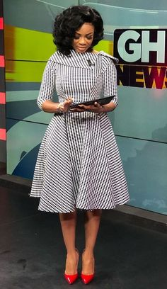 Newscaster Serwaa Amihere in work attire, work fashion, corporate attire, corporate fashion.You can find Corporate attire. African Wear Dresses, Latest African Fashion Dresses, African Print Fashion, Africa Fashion, African Attire, Women's Fashion Dresses, Ankara Fashion, African Prints, African Fabric