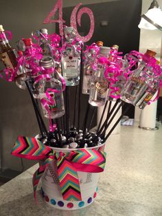Liquor bouquet made for a friend& birthday - Geschenkideen - 21st Birthday Basket, Birthday Gift Baskets, 40th Birthday Gifts, Alcohol Gift Baskets, Liquor Gift Baskets, Diy Father's Day Gifts, Father's Day Diy, Shot Bouquet, Liquor Bouquet