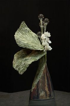Ikebana Arrangements, Floral Arrangements, Flower Arrangement, Beautiful Flowers Garden, Simple Flowers, Arte Floral, High Art, Botanical Art, Flower Designs