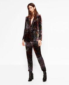 Image 1 de PANTALON FLUIDE EN VELOURS de Zara