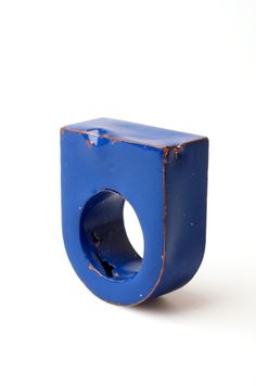 one in blue, one in red, one in... this is sublime. - Josien Baetens Ring 2012
