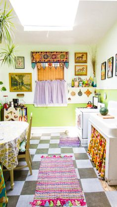 """I love how warm and inviting this kitchen is! A Vibrant """"Jungle"""" Kitchen in Chicago — Kitchen Spotlight"""