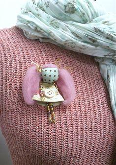 maramanufaktura / brošňa mini MARA vintage /staro ružovo-zelenkavá/
