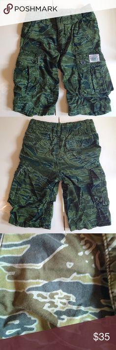 Gap boys size 6 regular cargo shorts Camouflage print Gap cargo shorts - never worn. Gap Bottoms Shorts