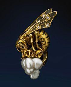 Art Nouveau gold, pearl, enamel Brooch, ca 1900, France.