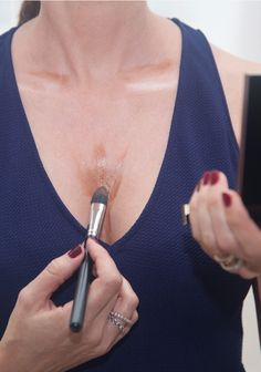 How to contour your décolleté area. Read more on the blog and get the step by step tutorial...