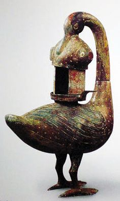 Colored Wide-goose and Fish Shaped Bronze Lamp, Western Han Dynasty AD). Bird Sculpture, Animal Sculptures, Chinese Culture, Chinese Art, Ancient Artefacts, Virtual Museum, Mystery Of History, Ancient China, Bronze Age