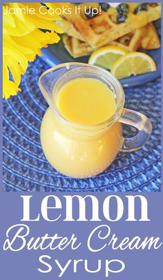 Lemon Butter Cream Syrup, perfect to pour over blueberry pancakes, waffles or crepes. Would make a great addition to Mothers Day Brunch. Breakfast Desayunos, Breakfast Recipes, Chutney, Pickles, Dessert Sauces, Desserts, Salsa Dulce, Homemade Syrup, Homemade Butter