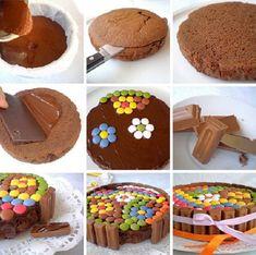 Torta de chocolate y confites coloridos