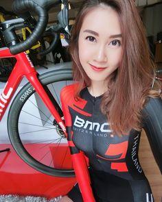 いいね!393件、コメント16件 ― Narissara Inthavongsaさん(@auauau)のInstagramアカウント: 「December with SLR01 Disc ❤ #Ride_BMC」