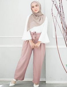 ZAFUL offers a wide selection of trendy fashion style women's clothing. Modern Hijab Fashion, Muslim Fashion, Modest Fashion, Fashion Outfits, Modest Dresses, Modest Outfits, Modest Clothing, Foto Casual, Hijab Style