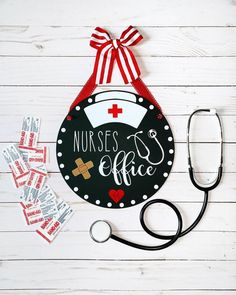 Nurses Office Door Hanger Sign💉🏥🚑👩🏻⚕️ Can be personalized with name to make it a special gift for any nurse❤️ . Nurse Office Decor, School Nurse Office, Nurse Decor, Doctors Office Decor, Doctor Office, School Nursing, Nurse Crafts, School Signs, Doctor Gifts