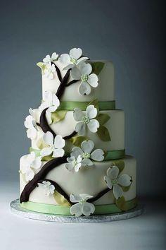 Google Image Result for http://ashleysbrideguide.com/images/sized/images/uploads/gallery/nashville_wedding_cakes_amazing_dulce_desserts_004-333x500.jpg