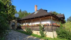 casa olteneasca traditionala - Google Search Gazebo, Outdoor Structures, House Design, Traditional, House Styles, Outdoor Decor, Romania, Home Decor, Google Search