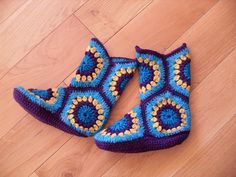 Ravelry: Project Gallery for Hexagon Boot Slippers pattern by Priscilla Hewitt Crochet Slipper Boots, Crochet Slippers, Crochet African Flowers, Crochet Flowers, Free Crochet, Knit Crochet, Knitting Patterns, Crochet Patterns, Minion Hats