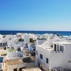 Duftende Yasmingärten, orientalische Märkte, süßer Minztee und ein türkisblaues Meer, das zum ausgiebigen Baden einlädt. im paradiesischen Urlaubsort Hammamet kannst …
