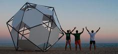 Monolito en la playa | Carlos Zurdo-Jesús Barrera-Domingo Barrios-Fernando Molina