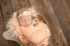 Ensaio newborn, fotos newborn, fotografia de recem-nascido, estudio fotografico, fotos de recém-nascidos. Por Thais Thomazzoni