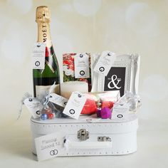 How to Prepare a Bug Out Laptop Kit – Bulletproof Survival Honeymoon Survival Kits, Honeymoon Kit, Wedding Survival Kits, Survival Kit Gifts, Engagement Basket, Engagement Gifts, Wedding Gifts For Bride And Groom, Bride Gifts, Party Gifts