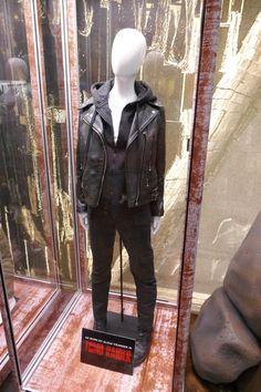 Alicia Vikander Tomb Raider Lara Croft costume