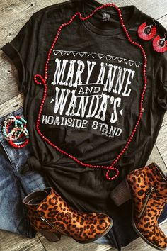 The best Tennessee ham and strawberry jam out on Highway 109! Glitzy Girlz original graphic tee. Pre-shrunk, unisex fit, crew neck. Small-2/4 Medium-6/8 Large-10/12 XL-14/16 2X-18/20 3X-22/24 4X= 26/28 52% Cotton, 48% Polyester. Machine was warm, inside out, tumble dry low. Do not iron design. Cute Shirt Designs, Bleach Shirts, North Face Backpack, Shirts With Sayings, Cute Shirts, Short, Passion For Fashion, Country Outfits, Casual