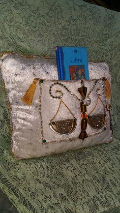 Astrology Book Nook  (LIBRA)