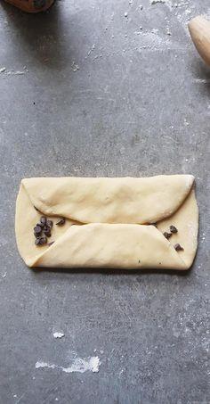 Brioche filante et extra moelleuse aux pépites de chocolat - My tasty cuisine Croissant, Deserts, Food And Drink, Cooking Recipes, Sweets, Pains, 150 Ml, Ramadan, Biscuit