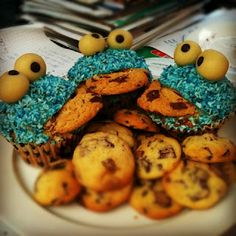 Cookie-Monster-Cupcakes