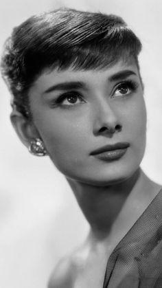 Audrey Hepburn- De m.vk.com