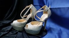 GLAMOUR SIZE 5 SILVER SPARKLE HIGH HEELS **CHARITY AUCTION** Open Toe, Charity, High Heels, Auction, Sparkle, Glamour, Sneakers, Silver, Shopping