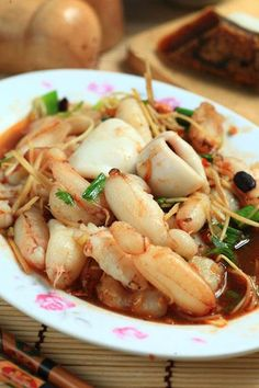 ginger crab in hot bean sauce Crab Recipes, Entree Recipes, Brunch Recipes, Indian Food Recipes, Asian Recipes, Gourmet Recipes, Cooking Recipes, Asian Foods, Fish Dishes
