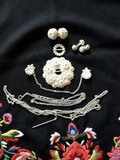 Sølv til Vest Agder Norway, Vest, Brooch, Costumes, Jewelry, Jewlery, Dress Up Clothes, Jewerly, Brooches
