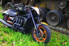 Triumph Rocket III by Motorradklinik
