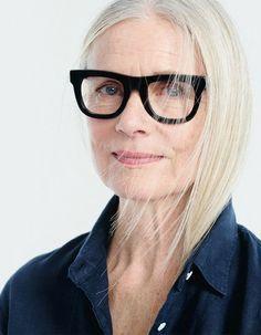 Dicas de maquiagem para quem usa óculos. – TRUQUES DE MAQUIAGEM - Paola Gavazzi