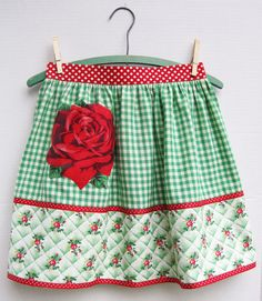 Half Apron ... love Vogart rose applique