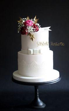 Ranunculus Wedding Cake by Sihirli Pastane - http://cakesdecor.com/cakes/295378-ranunculus-wedding-cake