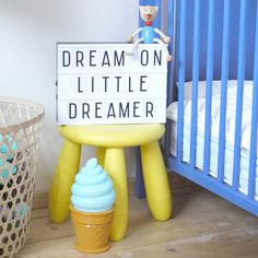 This Lightbox in A4 by A Little Lovely Company is a perfect deco for the livingroom, kidsrooms or even for a birthdayparty or wedding.