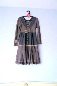 Robe couleur taupe,femme taille 42,Robe manches longues,Taille basse,Transferts papillons,dentelle beige : Robe par mon-armoire-jolie