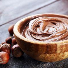Nutella z kaszy jaglanej - krem, który możesz jeść bez wyrzutów sumienia. Nareszcie! Healthy Sweets, Healthy Recipes, Low Calorie Desserts, My Dessert, Pavlova, Peanut Butter, Clean Eating, Food And Drink, Yummy Food