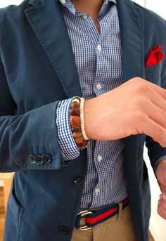 Great mix of solid and print with a just a hint of red. Nice.