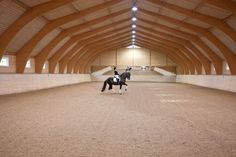 World class indoor arena Dream Stables, Dream Barn, Horse Stables, Equestrian Decor, Equestrian Style, Horse Arena, Indoor Arena, Most Beautiful Animals, Show Jumping