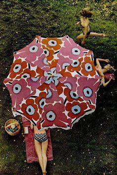 Marimekko LIFE magazine 1966 - unikko parasol