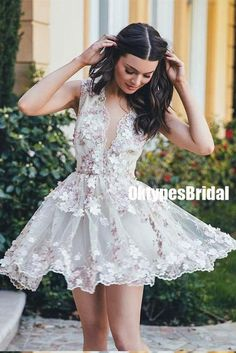 46aad0b8b64 V-neck A-line Tulle Strapless Homecoming Dresses