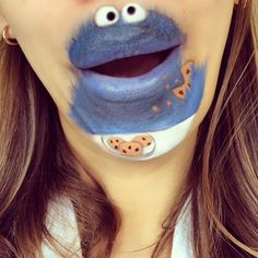 Make Up Artist transforms lips in Cartoons Characters