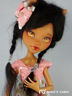 Monster High Clawdeen repaint by Mango's Cabin.